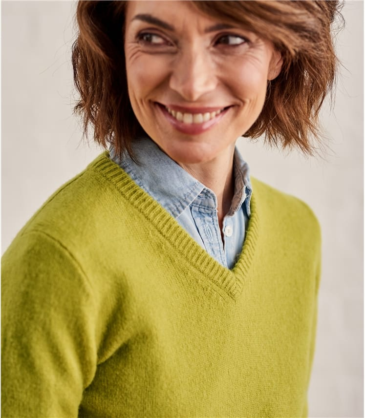 Womens Lambswool V Neck Sweater