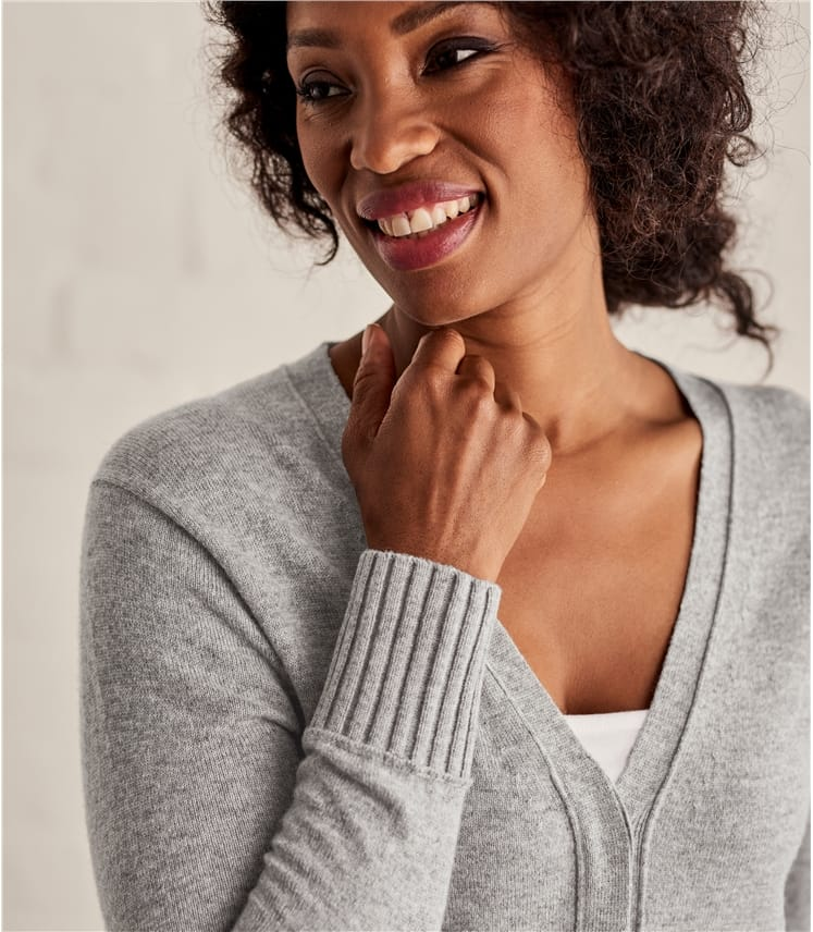 Womens Concealed Placket Cardigan
